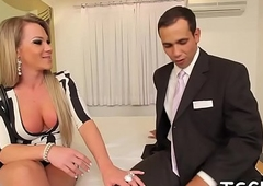 Infatuated tranny'_s dong ride