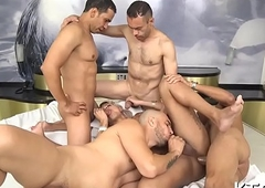 Shemale'_s keister gets fucked hard