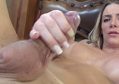 Brazilian shemale Taissi Fontini stroking, jerking off and cuming