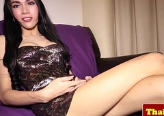 Young ladyboy wireless knows how to joshing
